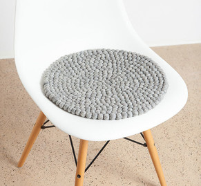 Sitzauflagen aus Filzkugeln